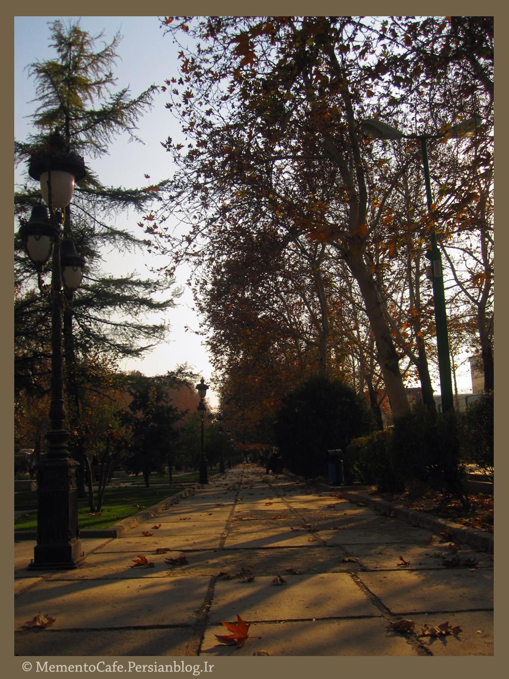 http://mementocafe.persiangig.com/image/pics-gallery/Park%20e%20Melat%20%286%29.JPG